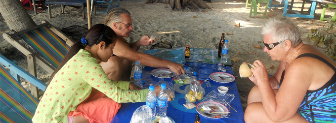 Eating StreetFood on the beach in Thailand